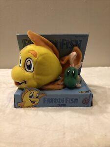 Freddi Fish & Luther Fish Yunas Princess Adventure Green Plush Toy Site Rare NIB