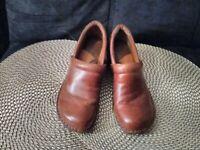 BOC Born Concept Womens Clogs Nursing Shoes Brown  Pebbled Leather Size  7.5M