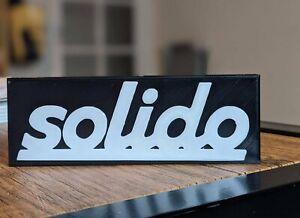 SOLIDO self standing logo display