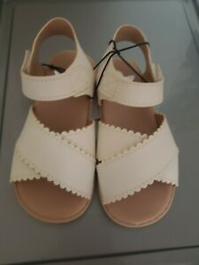 Girls sandals Size Uk6,eu 23