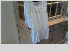 lovely white be me short sleeve lined top size 24