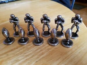10 PC HEAVY METAL FOOTBALL GAME 5 FIGURINES PLAYERS 5 FOOTBALLS PIECES PARTS