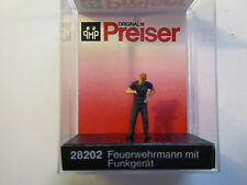 Preiser (HO 1:87)  Fireman with Radio #28202