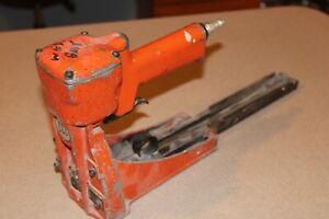 Carton Closing Company Clincher AC-150 Pneumatic Carton Box Stapler Machine Gun