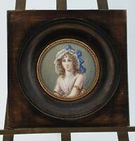 Ancienne peinture miniature portrait de femme signée