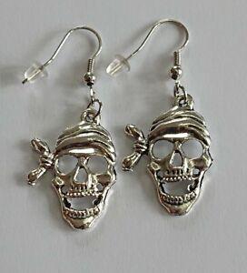 Pirate skeleton Earrings Spooky Halloween gothic, ghost pirate skull Earrings