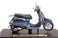 Vespa Piaggio Granturismo 2003 Blue 1:18 Model 3131B MAISTO
