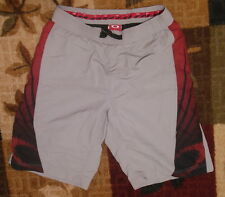 OAKLEY PADDED BIKE / CYCLING SHORTS MEN'S SIZE L EXCELLENT USED CONDITION