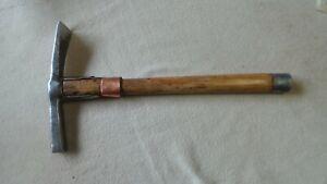 outil ancien herminette de couvreur