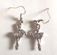 Boucles d'oreilles argentées danseuse 31x14 mm
