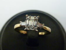 Ladies Stunning 9ct Gold 25pt Diamond Cluster Illusion Solitaire Ring - Size L