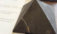 Schungit Pyramide 10 cm poliert original aus der ZAZHOGINSKIJ MINE!