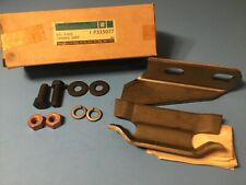 NOS GM 325077 Front Spring Strap Rear Shackle Unit 1970-1971 CHEVY GMC 4X4 TRUCK