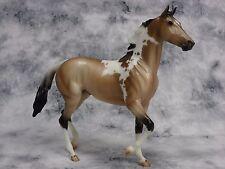 Breyer * Quelle Surprise * Breyerfest Buckskin Pinto SR Traditional Model Horse