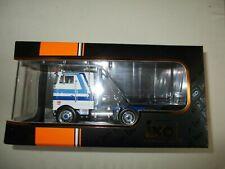 Camion Miniature Peterbilt 352 Pacemaker 1979 White & Blue 1/43 - TR065 IXO