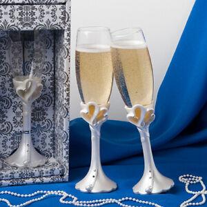 interlocking hearts design toasting flutes wedding toast glasses