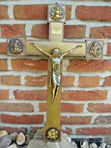 Kruzifix * Holz * Figur & Beschläge Metall * Messing Farben * 50 x 35 * Kreuz