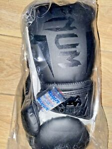 Venum ELITE BOXING GLOVE 14 OZ    Boxing Gloves - Black/Black SEALED NEW
