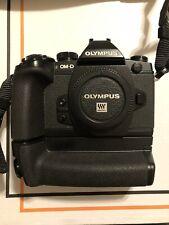Olympus OM-D E-M1 + Impugnatura