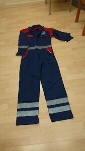 Ladies Or Mens Use Navy Blue Colour Boilersuit Or Overalls.
