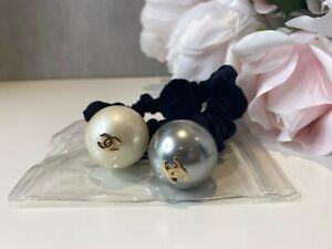 Chanel pearl hair band scrunchie brand new black oe white pearl