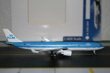 Aeroclassics 1:400 KLM Airbus A330-300 PH-AKA (ACPHAKA) Die-Cast Model Plane