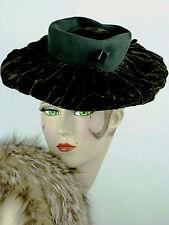 VINTAGE HAT 1940s DORA LAUSANNE, BLACK FELT RUSHED VELVET BRIMMED TILT HAT w PIN