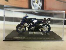 IXO / DEAGOSTINI - 2000 YAMAHA R7 - RACE BIKE - 1/24  MODEL GP BIKE SERIES
