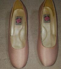Special Occasions Saugus Shoe Pink Blush Bridesmaid Pump Low Heel Wedding Sz 6EE