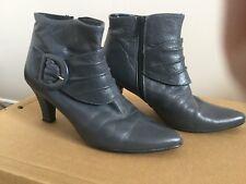Moshulu Grey Boots