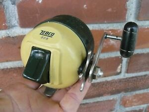 Vintage Zebco #888 closed face spinning reel-Works- pre-owned
