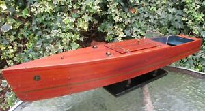 Beautiful rich toned mahogany 30 inch Kellner electric speed boat works Germany