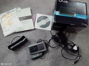 Sony VAIO Pocket Portable 20GB Media MP3 Player VGF-AP1 Charger Boxed Bundle