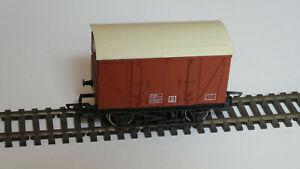 Model Railway 00 Hornby BR Ventilated Van Rolling Stock R242 wagon