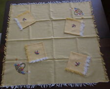 """New listing 1930s Linen Bridge Tablecloth 30"""" Hand Embroidered w/ 4 Napkins 11.5"""""""