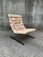 Design Insitute of America Vintage Cantilever Lounge Chair