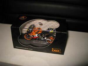 1:24 IXO HONDA RC211V #46 V ROSSI MOTO GP 2003 REPSOL MOTORBIKE  RAB055