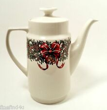 THE CELLAR HOLIDAY WREATH CHINA 1995 MACEY'S COFFEE POT WITH LID 8 CUP  XMAS