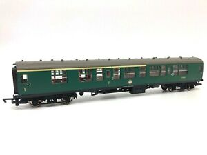 HORNBY R4115B BR Mk. 1 COMPOSITE COACH SOUTHERN REGION S15049 OO GAUGE - BOXED