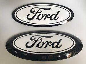2017-19 Ford Super Duty Custom Ford Oval Set Gloss Black/Gloss Oxford White (Z1)