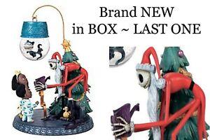 Disney Store Nightmare before Christmas Jack Skellingtion Santa Snowglobe NIB !!