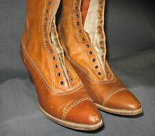 WOMAN'S ANTIQUE LACE UP LEATHER BOOTS                                         U4
