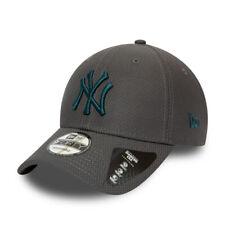 New Era Diamond Era Essential 9Forty  New York Yankees Strapback Cap- Charcoal