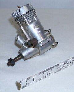 FOX .29 GAS AIRPLANE OR TETHER CAR ENGINE 1960s
