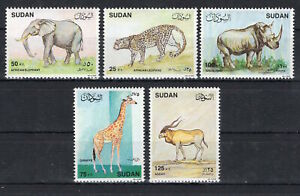 Rhino Elephants on postage stamps MNH** D107