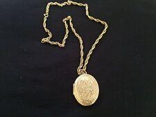 PRETTY GOLD TONE LOCKET NECKLACE -  8343