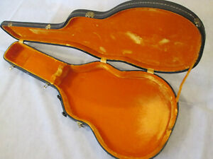 Black USA made 17 - 17.5 inch thinline guitar case with yellow lining - vgc.
