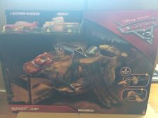 Disney Cars Cars 3-pista de salto de medianoche conjunto con Rayo Mcqueen & Smokey