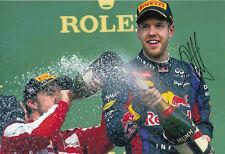 Sebastian VETTEL F1 WORLD CHAMPION mano firmato 2013 RED BULL FOTO 12X8 Podio 3
