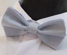 Corbata De Moño. UK Made azul claro. Algodón. Calidad Premium. pre-atado.